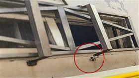 越南偷渡客七人留置僅六人逃 一人因為「這原因」走不了(圖/翻攝畫面)