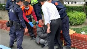 男子 持刀 闖入 立法院 遭警方 壓制 送醫(林恩如攝)