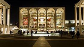 大都會歌劇院解雇所有工會員工。(圖/翻攝自Metropolitan Opera 推特)  https://twitter.com/MetOpera/header_photo