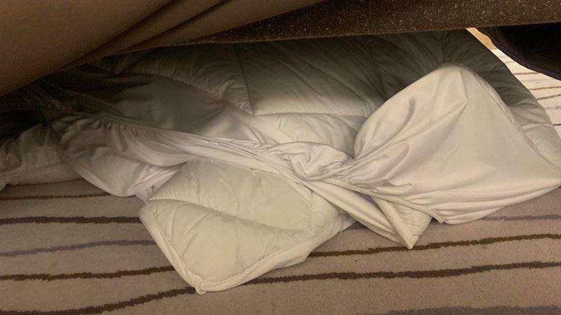 躲屋主躺床底…小偷睡超熟還翻身!他驚聞「打呼聲」忙報警