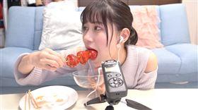 日本YouTuberゆきりぬ做糖葫蘆(圖/翻攝自YouTube)