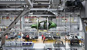▲保時捷Cayenne成為品牌營收主力。(圖/翻攝Porsche網站)