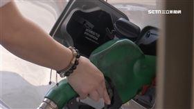 油價爆跌加油人多! 自助油槍超級髒