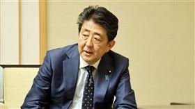 安倍晉三直言,日本瀕臨全國緊急狀態。(圖/翻攝自首相官邸 twitter)  https://twitter.com/kantei/status/1242442006833459200/photo/1