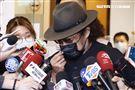 張菲29日赴劉真靈堂悼念。(圖/記者林聖凱攝影)