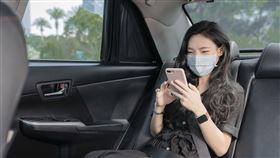 Uber推出「菁英Plus」之餘,也更新「尊榮優步」的服務,除了既有高評分的駕駛服務與進口車的車輛,在乘客偏好設定可以針對「溫度」、「對話」、「行李」三大喜好和需求作設定。(圖/Uber提供)