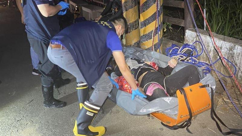 南投一女子帶兒女墜落吊橋 警消搜救三人不幸溺斃