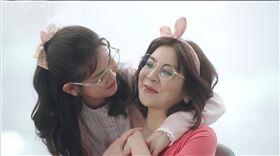 王彩樺與女兒同框。(圖/廠商提供)