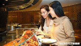五星飯店推出30小時不限餐期次數自助餐吃到飽。(圖/業者提供