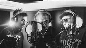 最速創作!臭屁嬰仔自我挑戰詞曲、錄音、編曲、MV一氣呵成 最新單曲《咱說讚欸》5小時搞定(新聞提供:混血兒娛樂)