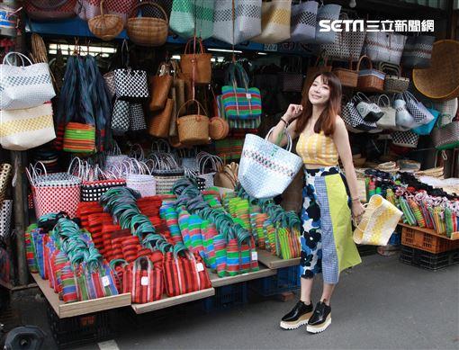 陳依依接受三立新聞網專訪。(記者邱榮吉/攝影)