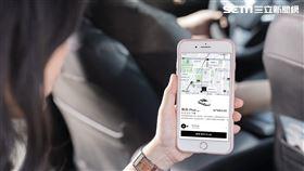 Uber全新乘車選項「菁英Plus」,讓消費者可以享受更寬敞舒適的車內空間、行程前還可以設定「溫度」和「對話」偏好、由高評分駕駛提供服務。(圖/Uber提供)