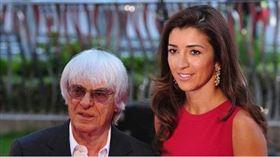 ▲前F1一級方程式賽車的老闆艾克萊斯頓夫妻倆。(圖/取自IG)