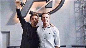 小勞勃道尼(Robert Downey Jr.)4月4日過他的55歲生日,「美國隊長」克里斯伊凡(Chris Evans)獻祝福。推特