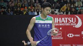 周天成印尼羽球賽無緣16強BWF世界羽球巡迴賽超級500印尼大師賽15日進行第二天賽程,中華隊男單選手周天成敗給香港選手李卓耀,止步於16強。中央社記者石秀娟雅加達攝 109年1月15日
