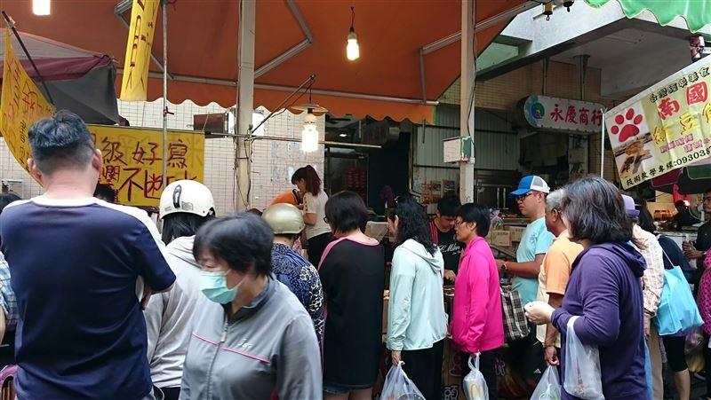 武漢肺炎/澎湖民眾到傳統市場13日起全面戴口罩