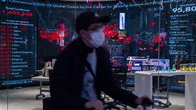 武漢肺炎疫情尚無明顯緩解全球武漢肺炎(2019冠狀病毒疾病,COVID-19)疫情持續肆虐,目前已有185個國家(地區)傳出確診案例,病例數超過160萬,死亡數更不斷攀升。中央社記者林俊耀攝 109年4月10日