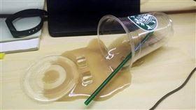 咖啡倒了!女清潔員憂私領域不敢清 觀察1個月結局氣炸她(圖/翻攝自爆怨公社臉書)