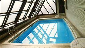 相澤南將在「那個泳池」舉辦「限定台灣」攝影會。(圖/翻攝自相澤南IG)