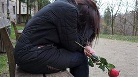 -女人-哭泣-離婚-婚姻-失戀-(示意圖)/pixabay