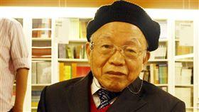 台灣電影史家、資深影評人黃仁14日離世享壽97歲,他一生鑽研台灣電影、書寫影評,對於日治時期台灣電影、台灣早期台語片都深入研究。(中央社檔案照片)