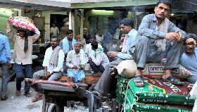 印度底層日薪工 封鎖延長讓生活陷困境