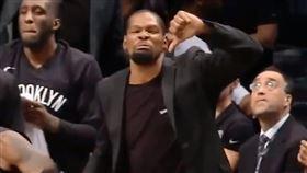 NBA/史上最弱灌籃?KD噓爆隊友 NBA,布魯克林籃網,Kevin Durant,Garrett Temple,灌籃 翻攝自推特