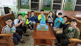 維他露基金會為守護弱勢學童的健康,捐贈千箱運動飲料至全國育幼院。(圖/廠商提供)