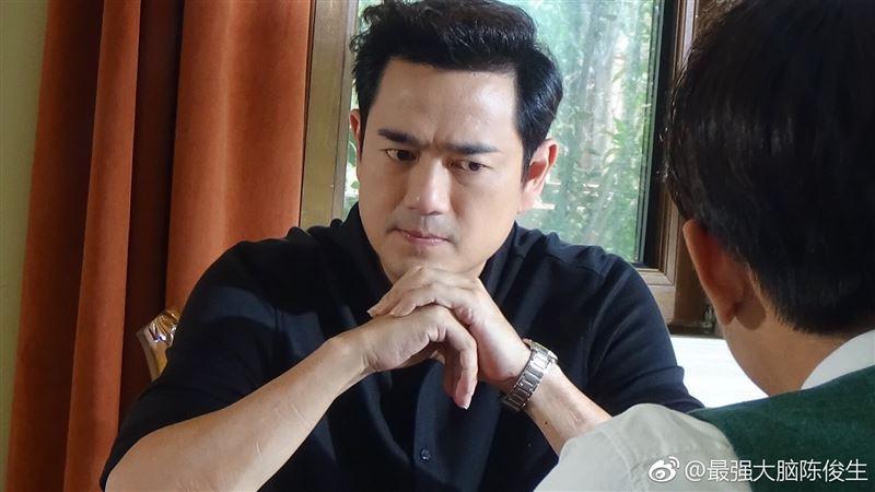 51歲陳俊生超凍齡 認愛小20歲女