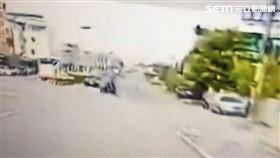 雲林縣林姓老翁載妻外出與轎車相撞雙亡。(圖/翻攝畫面)