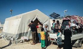 伊德利布省難民營地