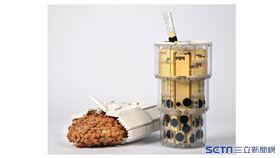 LEGO官方臉書近期分享一組「正港台灣味」的作品。(圖/積木國王 大黑白授權提供)