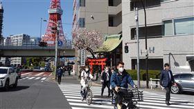 日本武漢肺炎確診突破8000例2019冠狀病毒疾病(COVID-19,武漢肺炎)疫情在日本持續擴大,東京14日新增161起確診病例,累計2319例。日本全境累計首度突破8000例。圖為街景。中央社記者楊明珠東京攝 109年4月14日
