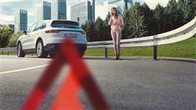 ▲保時捷為加拿大醫護人員推出道路救援服務(圖/Porsche提供)