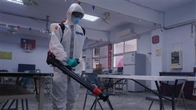 33化兵群執行政戰學院校園消毒(國防部提供)