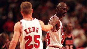 首次對位喬神 柯爾難忘「被折磨」 NBA,金州勇士,Steve Kerr,Michael Jordan,芝加哥公牛 翻攝自推特