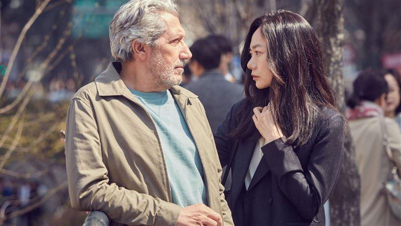 裴斗娜改戀洋男…新片驚見金泰希現身