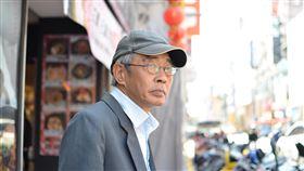 林榮基盼在台定居  助台捍衛思想自由(1)前香港銅鑼灣書店店長林榮基擔心「逃犯條例」通過後會被引渡中國,日前來台希望在此定居。他接受中央社訪問時說,希望未來可以在台灣開書店,並強調他要開的書店不是「文青」書店,而是關注時事、社會的書店,希望能吸引年輕人、香港人及陸客來看書。(配合社稿CEP第4號,敬請採用)中央社記者徐薇婷攝  108年5月9日