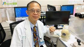 名家專用/NOW健康/陳瑩山醫師強調,其實不只是藍光會傷眼,過度讓眼睛直視光源都會對眼睛造成傷害。(勿用)
