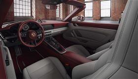 ▲保時捷個人化訂製Porsche Exclusive Manufaktur專屬內裝。(圖/Porsche提供)