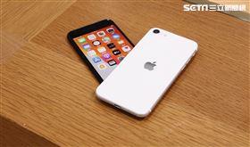 iphoneSE 第二代,4/24開賣,蘋果,蘋果門市,(圖/記者林聖凱攝影)