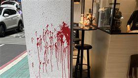 林榮基台北遭潑紅漆前香港銅鑼灣書店店長林榮基25日將在台北重開書店,不料他21日上午在中山區吃早餐時,突然遭到不明人士潑紅漆,警方獲報後已展開調查。圖為林榮基遭潑漆現場,紅漆痕跡相當明顯。中央社記者黃麗芸攝 109年4月21日