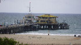 加州軟性封城  海灘空無一人