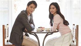 成勛和金素恩主演的浪漫愛情電影《正在相愛嗎?》海樂提供