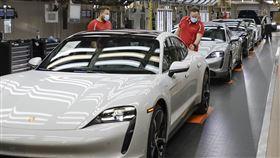▲保時捷兩大產線準備復工。(圖Porsche提供)