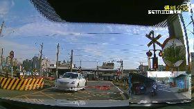 硬過平交道0700(DL)