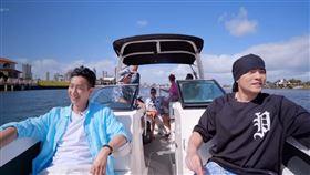 周杰倫《周遊記》挑戰一日漁夫。(圖/翻攝自Netflix)