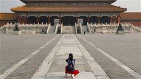 中國在3月18日宣布驅逐美國3大報的常駐記者,紐時記者認為,主要是不想讓美媒接觸普通百姓聽見真實聲音。圖為北京故宮。(圖/中央社/中新社提供)