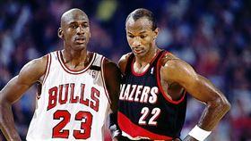 Michael Jordan與Clyde Drexler。(圖/翻攝自推特)