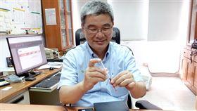 中正大學研發出敗血症快篩感測器中正大學機械工程系教授謝文馨研發「雙面光柵生物感測器」,這項生物感測器用在檢測敗血症,只要1小時檢測結果就能出爐,及時輔助醫生對症下藥。(中正大學提供)中央社記者蔡智明傳真 109年5月5日